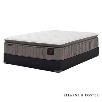 Scarborough V Queen Mattress Set w/Regular Foundation by Stearns & Foster