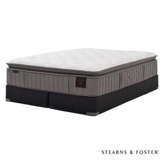 Scarborough V King Mattress Set w/Regular Foundation by Stearns & Foster