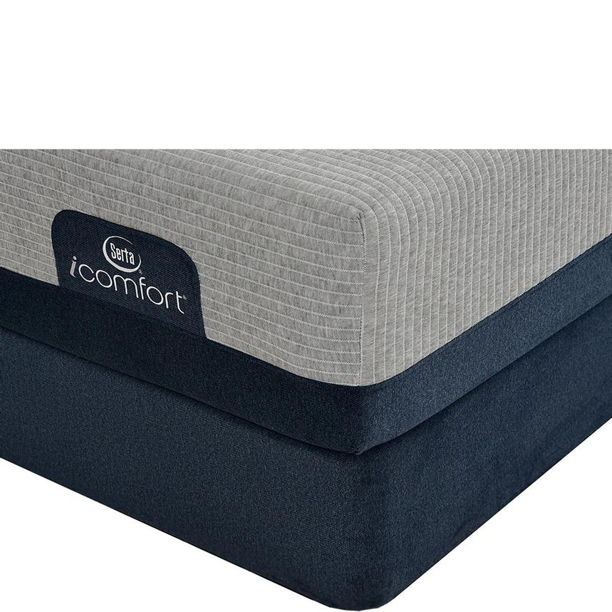 iComfort Blue Max 1000 Plush Queen Mattress w/Regular Foundation by Serta  main image, 1 of 4 images.